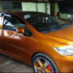 Heboh!!! Mobil Berkepala Dua Berkeliaran Dibandung Dan Ditilang POLISI