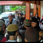 Penuhi Panggilan Polisi, Ustadz Zulkifli Dilepas Haru Para Jemaah